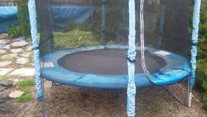 8 ft fully enclosed trampolene..fully dismantled