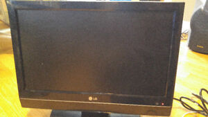 "20"" LG HDTV/ Monitor with HDMI input and original remote!"