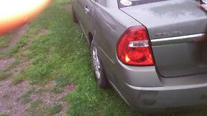 2004 Chevrolet Malibu parts or fix upper