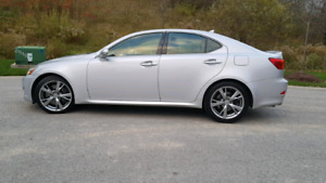Lexus IS 350 2010 with only 97000 km very clean 4 brand new tire