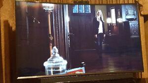 """Samsung 65"""" curve smart 3D 4K UHD TV Regina Regina Area image 1"""