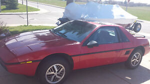 1984 Pontiac Fiero se Coupe (2 door)