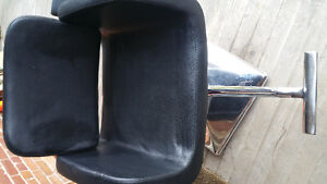 Salon sink, 2 leather chairs and foot rest Kitchener / Waterloo Kitchener Area image 5