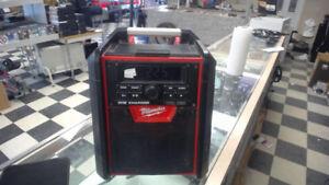 Milwaukee Tool M18 Lithium-Ion Cordless Jobsite Bluetooth Radio