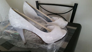 NEW Michaelangeo Shoes from David Bridal, Size 10.