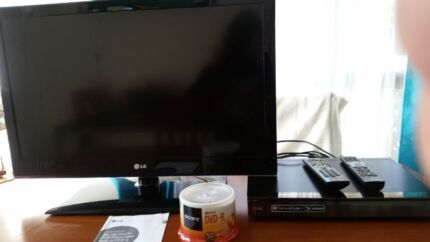 LG 32inch LED tv and LG Blu-ray dvd player recordet Waterford West Logan Area Preview