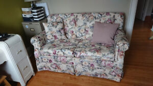 free pull-out loveseat