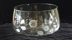 Home - indoor - etched clear glass bowl - 10 inches wide