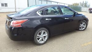 13 Altima S - auto - 4dr - LOADED - MAGS - A/C - ONLY 20,000KMS Edmonton Edmonton Area image 2