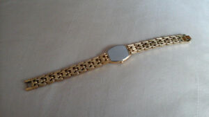SEIKO QUARTZ LADIES GOLD PLATED WATCH West Island Greater Montréal image 5