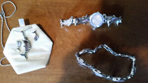 Women's Dolphin Watch, Earrings, Necklace & Bracelet Set