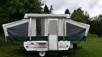 2005 Fleetwood Taos tent trailer. Excellent condition