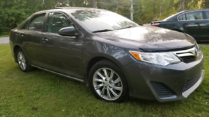 2014 TOYOTA CAMRY 4 CYLINDER SUNROOF BACK UP CAMERA 103675 KM
