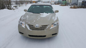 2009 Toyota Camry LE Sedan 130,000 KM ASKING $6900 DRIVES GREAT