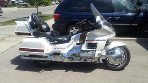 1999 White Honda Goldwing SE
