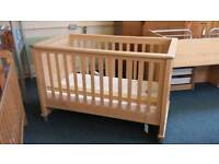 Mamas and papas modensa cot bed and mattress