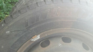 Need gone 225/ 60 r 16 rims and winter tires dodge journey Kawartha Lakes Peterborough Area image 3