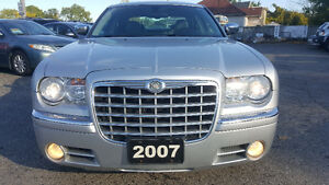 2007 Chrysler 300-Series 5.7L HEMI Sedan - LOW KM! MINT! Kitchener / Waterloo Kitchener Area image 8