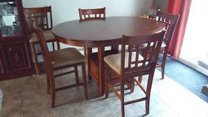 Ensemble table de cuisine et 6 chaises
