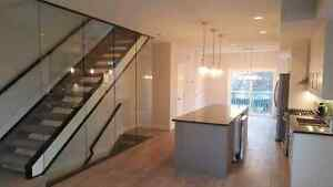 Modern Townhouse near the Brewery District and 124 Street Edmonton Edmonton Area image 2