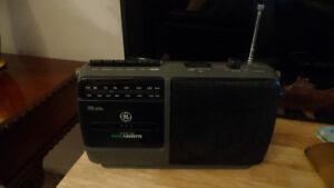 GE FM/AM Radio Cassette Recorder Boombox .