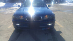 **************ONE OF A KIND BMW 325 xi AWD WITH SO MANY OPTIONS