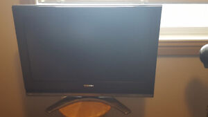 "32"" TOSHIBA TV with LG BluRay player"