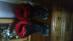 Board boots size 9