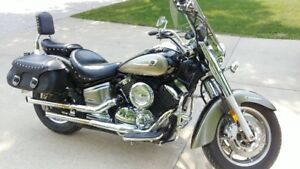 2005 Yamaha V-Star 1100 Classic - Low KM's...A Must See!