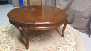 Formal round coffee table