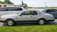 1985 Ford Thunderbird Coupe (2 door)