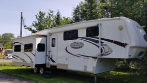 Caravane à sellette (Fifth Wheel) Keystone Montana  36 pi