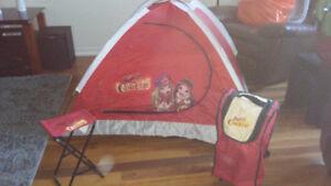 Tente Bratz et banc + sac de rangement en parfaite condition