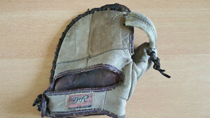 Gant antique baseball glove circa 1920 s