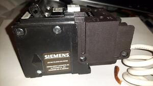 Siemens 40A 2 pole 120/240V Type Q GFCI Breaker Cambridge Kitchener Area image 2