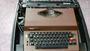 Sears Scholar Electric Typewriter Windsor Region Ontario image 1