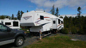 2008 crossroads cruiser CF27RL 5th wheel and truck