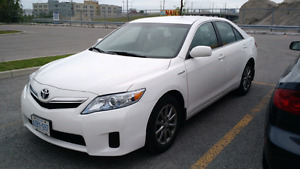 Toyota Camry 2011hybrid low km , not Mazda, Corolla, Nissan​