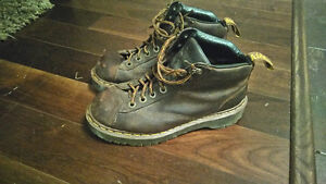 Dr Marten's Hiking Boots (Brown) Stlye 8287 size 9.5