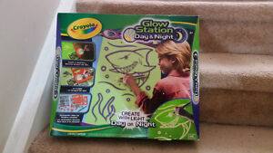 Crayola glow-in-the-dark coloring set for sale!