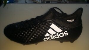 Men's Soccer Cleats -- Brand New -- Size 10.5 US -- $50