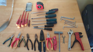 Assortment of matercraft tools