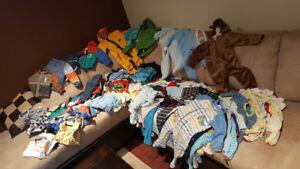 Vêtements enfants  (101 MORCEAUX)  6 à 12 mois garçon