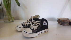 Toddler Boy Black Converse Size 6