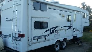 2002 Travelaire 5th wheel with 2007 Chev HD2500 Z71 Duramax