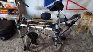 Electronic Drumkit with double bass