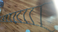 2 tire chains to fit pickup
