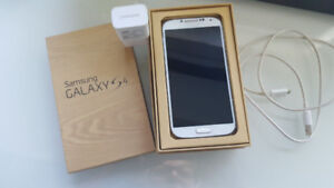 Samsung galaxy S4 - 32 gb - unlocked- white - great conditionin