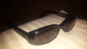 Gucci sunglasses and unisex glasses frames London Ontario image 3