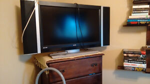 "FREE TO GOOD HOME 31"" Siva Digital TV"